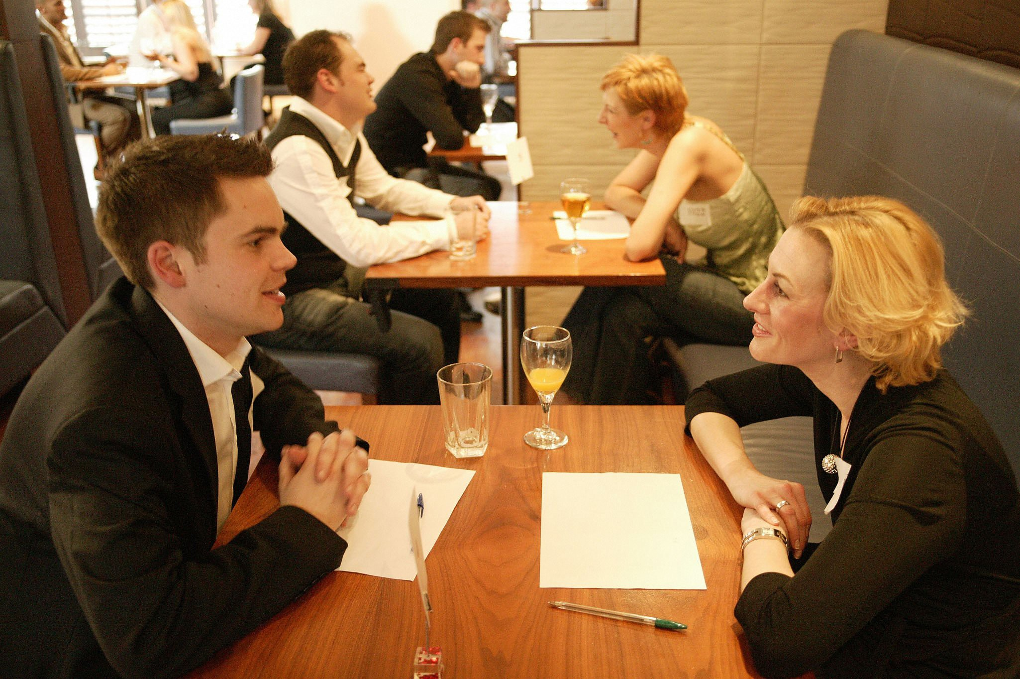 speed dating sales why dating a younger girl is good